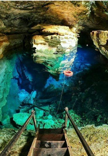 poço azul cave chapada diamantina
